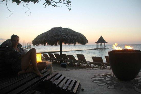 Sandals Montego Bay: Área do Piano bar