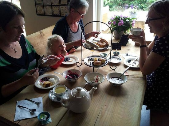 Langeveen, The Netherlands: Heerlijke, gezellige High Tea