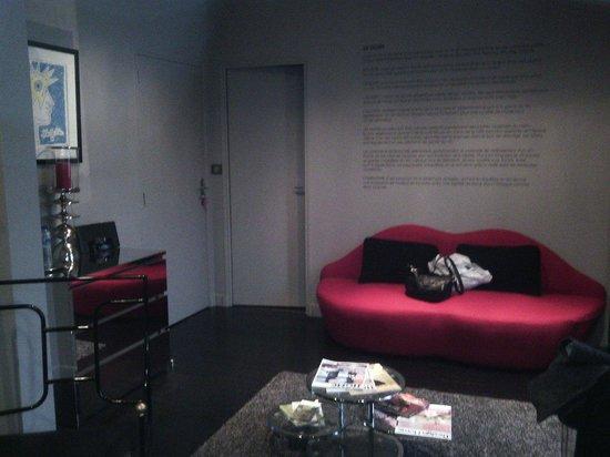 Le 5 : Salon de la chambre