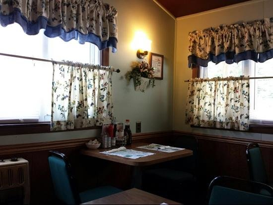 Ruthies Diner: quaint decor at Ruthie's Diner
