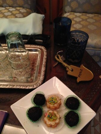 Riad Flam: Welcome tea and sweets