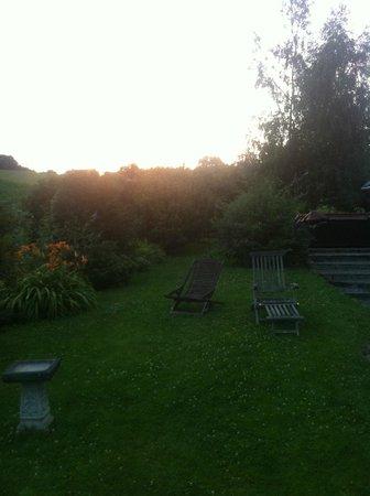 Saint-Martin-de-Connee, France : Superb gardens for relaxing in