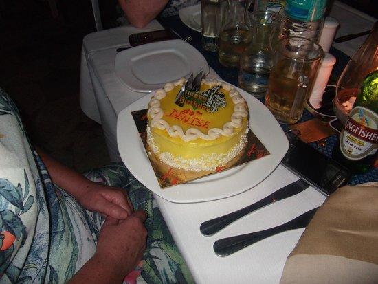 Aldeia Santa Rita: Birthday cake