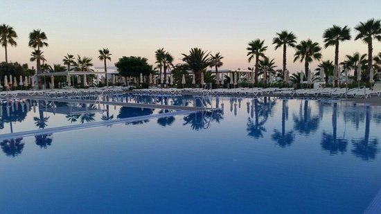 ClubHotel Riu Gran Canaria: Pools Could Be Bigger