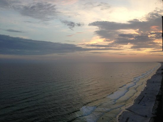 Tidewater Beach Resort : Great view at sunset