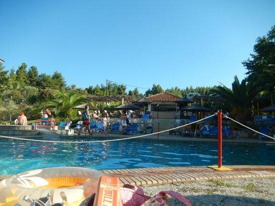 Chrousso Village: hercules pool bar