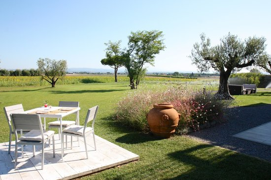 Podere Del Priorato: Breakfast tables