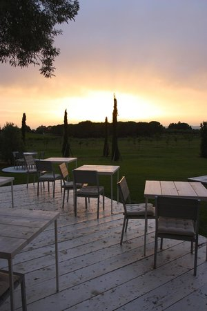 Podere Del Priorato: Breakfast tables (at dusk)