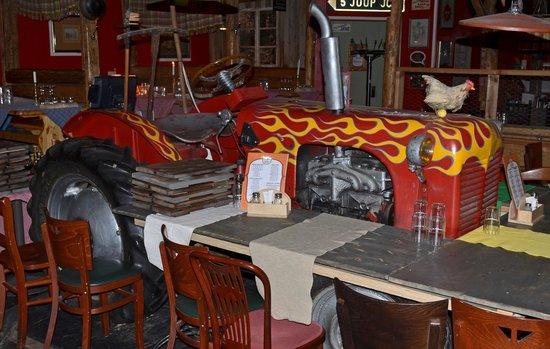 Restaurant Zetor: Один из тракторов