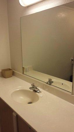 Motel Beechmont (Cincinnati East): Sink area