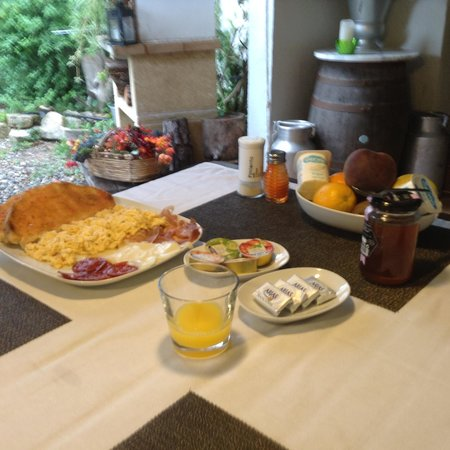 Comarquinal Bioresort Penedes: Breakfast --- yummy