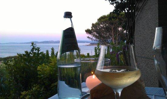 Resort Valle Dell'Erica Thalasso & Spa: Panorama dal ristorante sulla terrazza