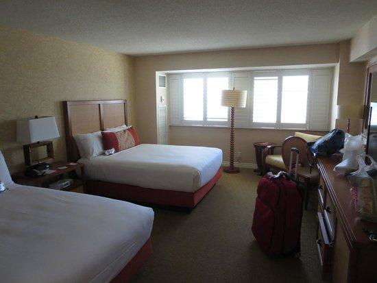 Tropicana Las Vegas - A DoubleTree by Hilton Hotel: Spacious room