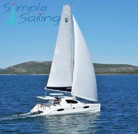 Simple Sailing Leopard 39