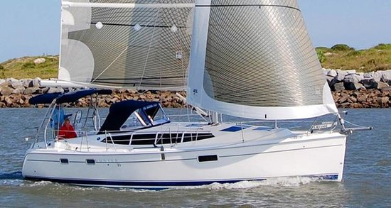 Simple Sailing: Hunter 36