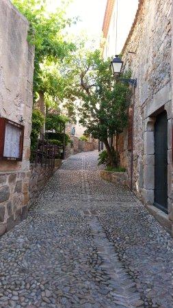 Vila Vella (Old Town): Old streets through the Vila Vella of Tossa de Mar.
