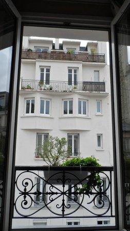 La Maison Montparnasse: View out the window