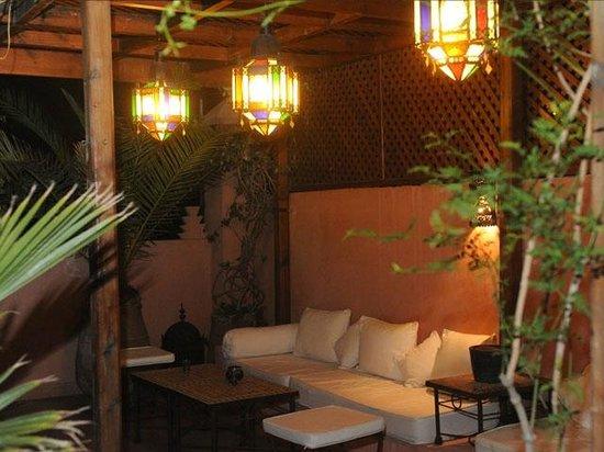Riad Sable Chaud: Interni - patio