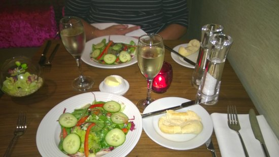 2 Bridge Place: Salad and bread starters