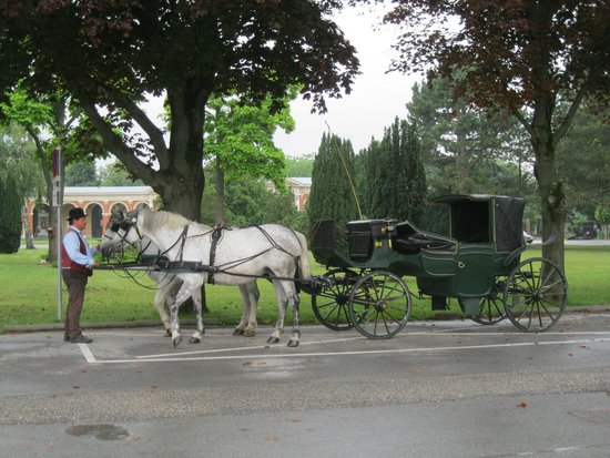 Central Cemetery (Zentralfriedhof): Carriage