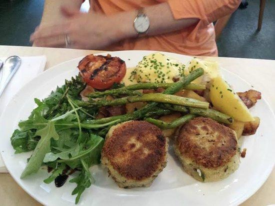 San Lorenzo's: Crabcakes