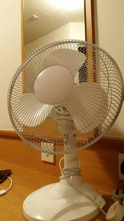 Premier Inn Newcastle City Centre (New Bridge Street) Hotel : Air conditioning not working...  So this amazing fan is been placed in the room prior to arrival