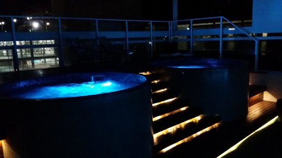Limes Hotel Brisbane : Rooftop tubs