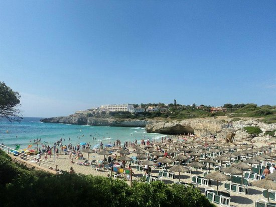 Club Cala Romani : nearby beach