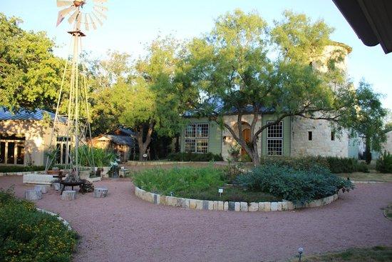 Fredericksburg Herb Farm - Sunday Haus Cottages : Herb Farm Spa