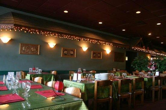Thai Place Restaurant: Interior
