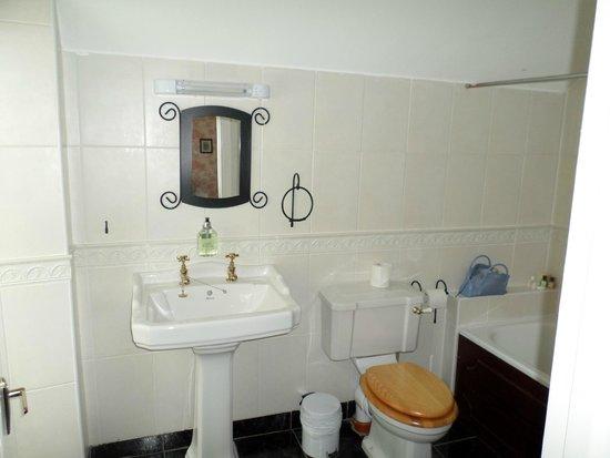 Carrygerry Country House: Bathroom