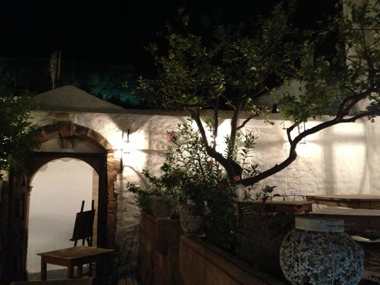 Odyssia Restaurant: Amazing Restaurant.