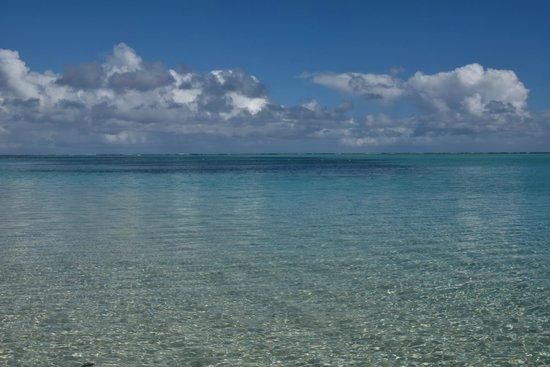Paradis Beachcomber Golf Resort & Spa: View from the beach