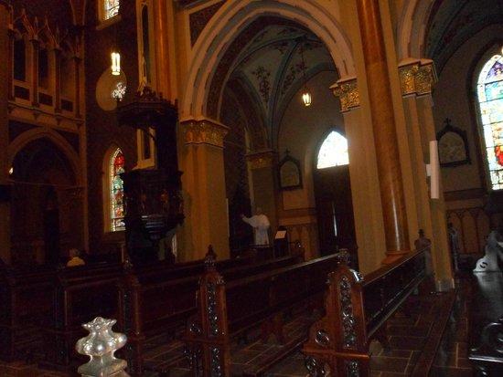 Metropolitan Cathedral : Interior da igreja