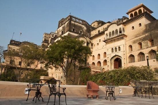 Neemrana Fort-Palace: a great palace