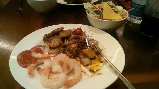 Cravings Buffet : Variety of items.