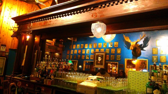 Blueberry Hill: Bar view