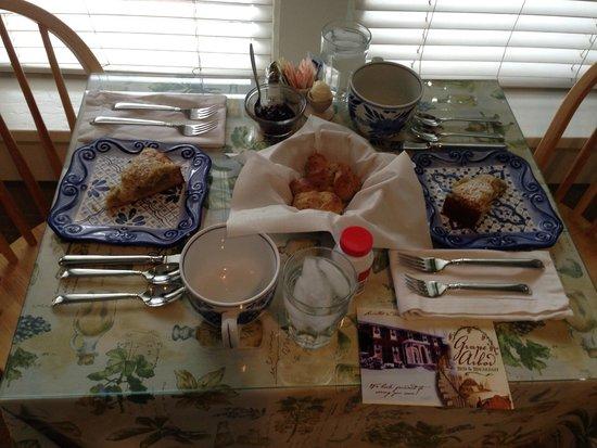 Grape Arbor Bed and Breakfast : colazione