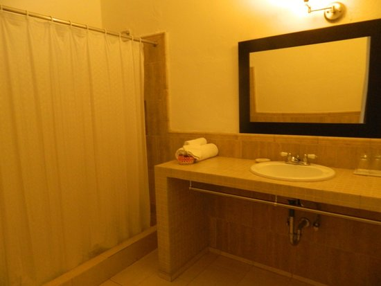 Hotel Julamis: The bathroom