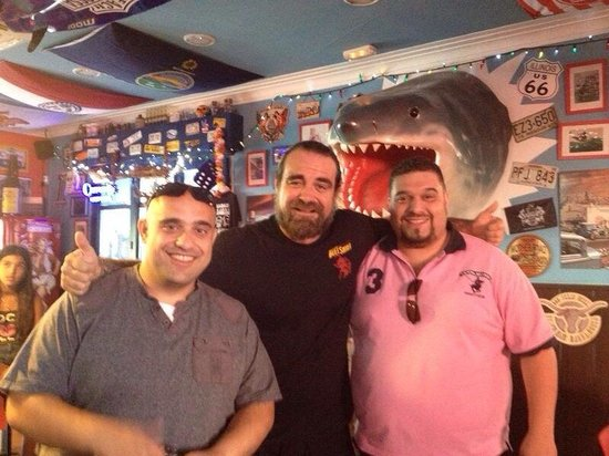 Barba-Rossa Beach Bar Castelldefels: After completing the Fat Elvis challenge