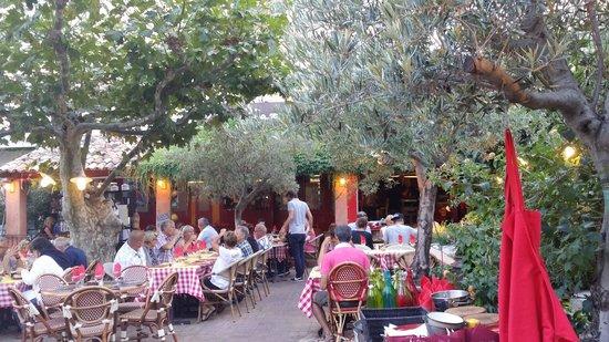 A Piazzetta: Le restaurant