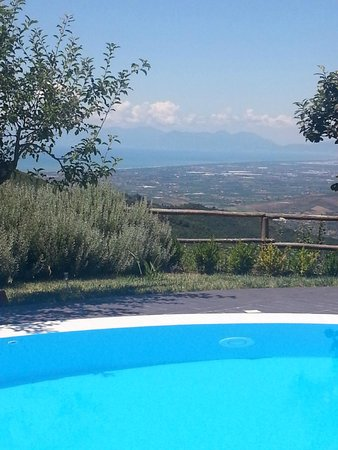Villa Marinella - Cilento : Across the pool and away over the plain of Paestum