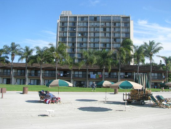 Catamaran Resort Hotel and Spa: View of hotel from beach