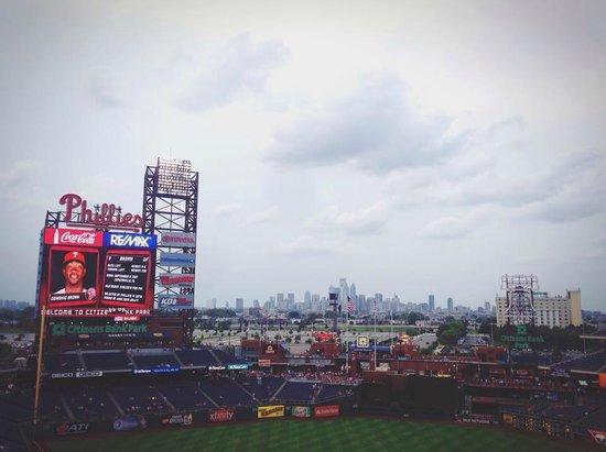 Citizens Bank Park: Philadelphia skyline