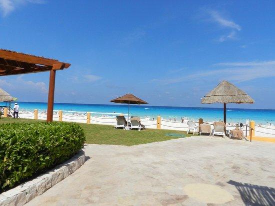Fiesta Americana Condesa Cancun All Inclusive: La Playa