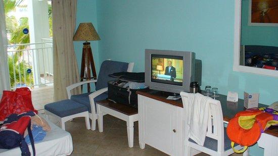 Blau Marina Varadero Resort: Téléviseur retro