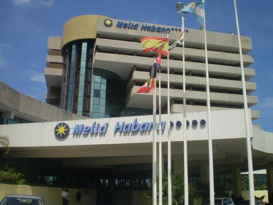 Melia Habana: Frente hotel