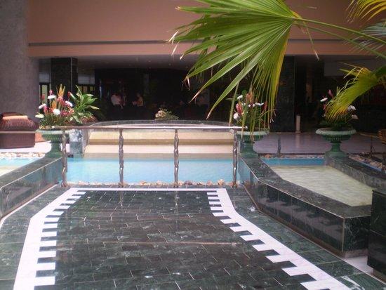 Melia Habana: Hall hotel