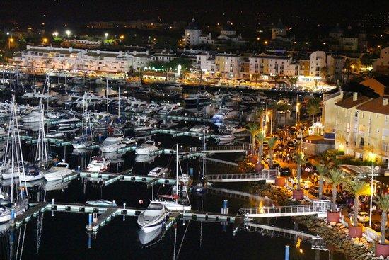 Tivoli Marina Vilamoura: marina at night