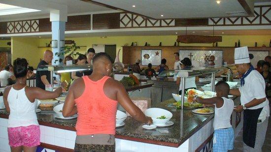 Blau Marina Varadero Resort: Le buffet